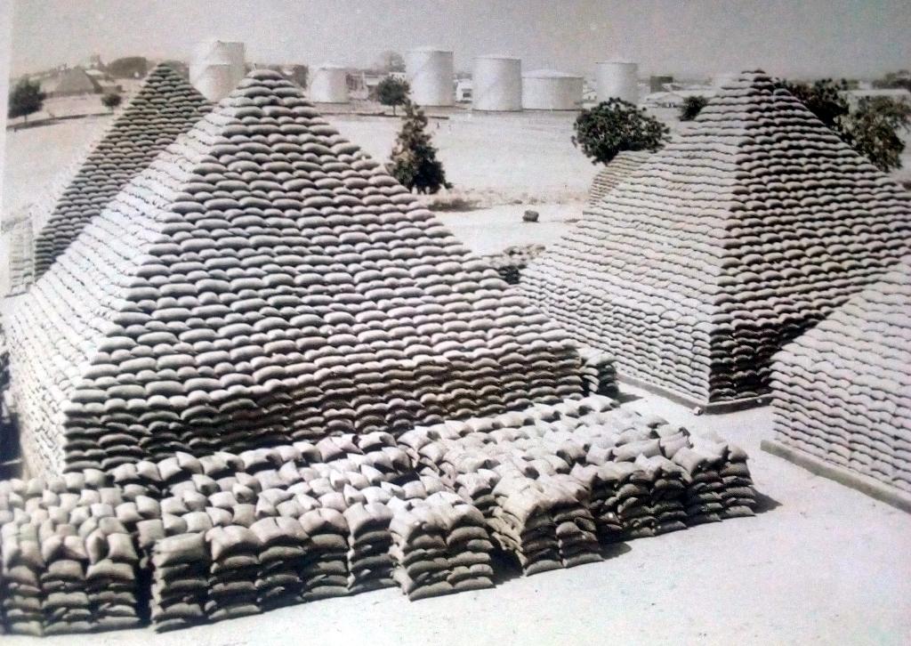 groundnut pyramid